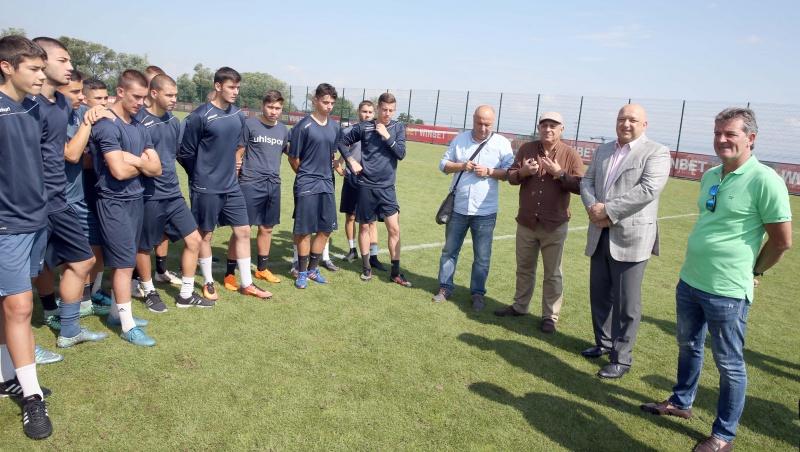 2d65fbb0167 БФС и ММС отбелязаха прогреса на Програмата за развитие на детско-юношеския  футбол